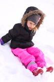 Милая маленькая девочка на зиме стоковое изображение