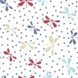 Милая простая картина для женственной ткани Вектор текстуры женщин безшовный Dragonfly и полька Стоковые Фотографии RF