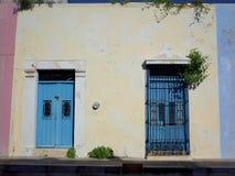 Милая улица в Кампече в Мексике стоковые фотографии rf