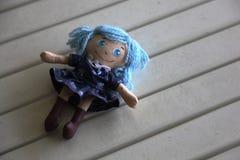 Милая handmade кукла девушки с милым платьем Стоковая Фотография