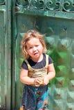 Милое афганское положение и представлять девушки Стоковые Фотографии RF