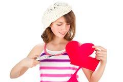 милое Валентайн сердца девушки вырезывания Стоковая Фотография RF