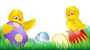 Милые желтые цыпленоки и пасхальные яйца бесплатная иллюстрация