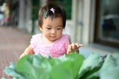 Милый азиатский ребенок в тайском платье traditon стоковые фото
