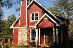 милый красный цвет дома Стоковое Изображение