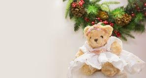 Милый медведь в платье Для приветствий рождественских открыток, иллюстрации Нового Года Стоковое Фото