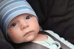 Милый ребёнок в месте автомобиля безопасти, Стоковое Фото