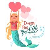 Милый, шарж, прелестная русалка девушки держа яркое розовое большое сердце Стоковая Фотография