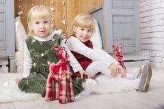2 милых дет на рождестве стоковое фото
