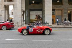 1000 миль 2019, Брешия - Италия 14-ое мая 2019: Исторические автогонки Mille Miglia Начало гонки в Брешии r стоковая фотография