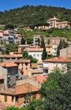 Мимозы les Bormes, Франция - 18-ое апреля 2016: живописная старая Стоковые Изображения RF