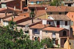 Мимозы les Bormes; Франция - 18-ое апреля 2016: старая деревня Стоковые Изображения