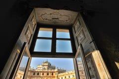 Мимолётный взгляд от окна дворца звероловства Stupinigi, около Турина, в зоне Пьемонта стоковое изображение rf