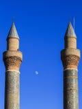 Минарет Madrasa Cifte - двойной минарет в Sivas Стоковые Фотографии RF