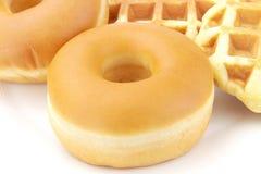 Миндалины заполненный заварным кремом заварной крем донута и waffle Стоковое Изображение