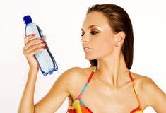 минеральная вода девушки Стоковое Изображение RF