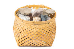 Минеральное marlstone в бамбуковой корзине handmade стоковое изображение