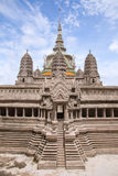 Миниатюрный экземпляр виска Angkor Wat на виске изумрудного Будды Стоковая Фотография