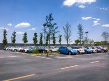 Мини автомобили для продажи в выставочном зале Стоковая Фотография