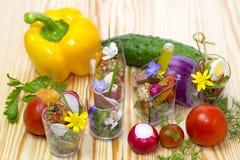 Мини десерты и канапе мяса vegetable Стоковые Фотографии RF