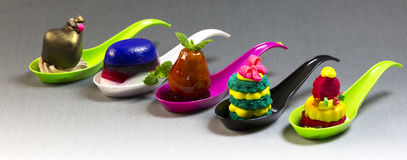 Мини закуски овоща десертов и канапе мяса Стоковые Фотографии RF