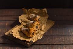 3 мини круассана с шоколадом стоковое изображение rf