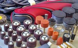 Мини машина сверла с комплектом различных аксессуаров Стоковое фото RF