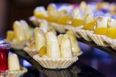 Мини пирог банана десерты торта сливк банана для партии Стоковое Изображение
