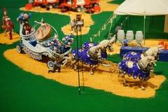 Мини статуя цирка: представление акробата Стоковые Фотографии RF