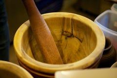 Миномет и пестик подготавливают для варить стоковое фото