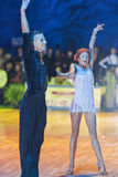 Минск-Беларусь, 18-ое октября 2014: Неопознанные пары Perfo танца Стоковая Фотография RF