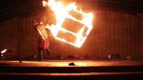 Минск, Беларусь - 29-ое сентября: выставка огня видеоматериал