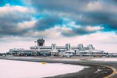Минск, Беларусь Стойка Belavia авиакомпаний воздушных судн на Минске n Стоковая Фотография RF