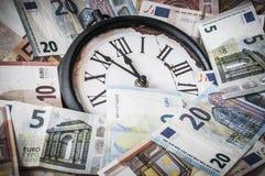 5 минут перед 12 o& x27; часы Стоковые Фото