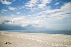 Мирный пляж Стоковые Изображения