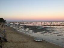 Мирный сумрак на деревне Le канона Устрицы, полуострове Крышк-фретки, Bassin d' Arcachon, Жиронда, южная западная Франция Стоковые Фотографии RF