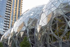 Мир Амазонки размещает штаб сферы и башня кондо Стоковое Изображение