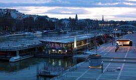 Мир большинств известный город Париж Франция во время восхода солнца отсутствие людей в изображении Стоковая Фотография RF