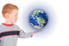 мир удерживания руки ребенка мальчика Стоковые Изображения