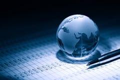 мир умозрения изображения схематической экономии кризиса гловальный Стоковые Фото