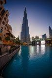 мир UAE башни khalifa Дубай burj самый высокорослый Дубай в ноче лета Стоковые Фото