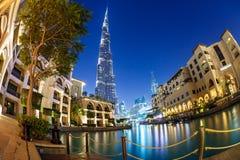 мир UAE башни khalifa Дубай burj самый высокорослый Дубай в ноче лета Стоковое Изображение RF