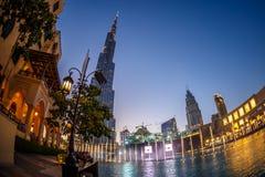 мир UAE башни khalifa Дубай burj самый высокорослый Дубай в ноче лета Стоковые Фотографии RF