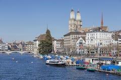 мир zurich башни st peter s стороны часов городского пейзажа города церков самый большой швейцарский Стоковая Фотография