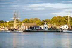 Мистическая деревня морского порта в Коннектикуте стоковые изображения rf