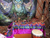 Мистическая предпосылка с ритуальными объектами эзотерического, оккультными, divination, волшебные объекты Оккультный, эзотеричес стоковая фотография rf