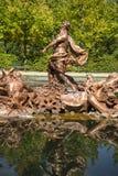 мифология, золотые фонтаны в дворце Сеговии в Испании бронза f стоковое фото rf