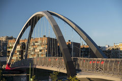 Милан Италия парк в районе Portello, мост Стоковое Фото