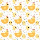 Милая безшовная картина с цыплятами и курицами Иллюстрация вектора