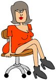 Милая девушка сидя на стуле Стоковое фото RF